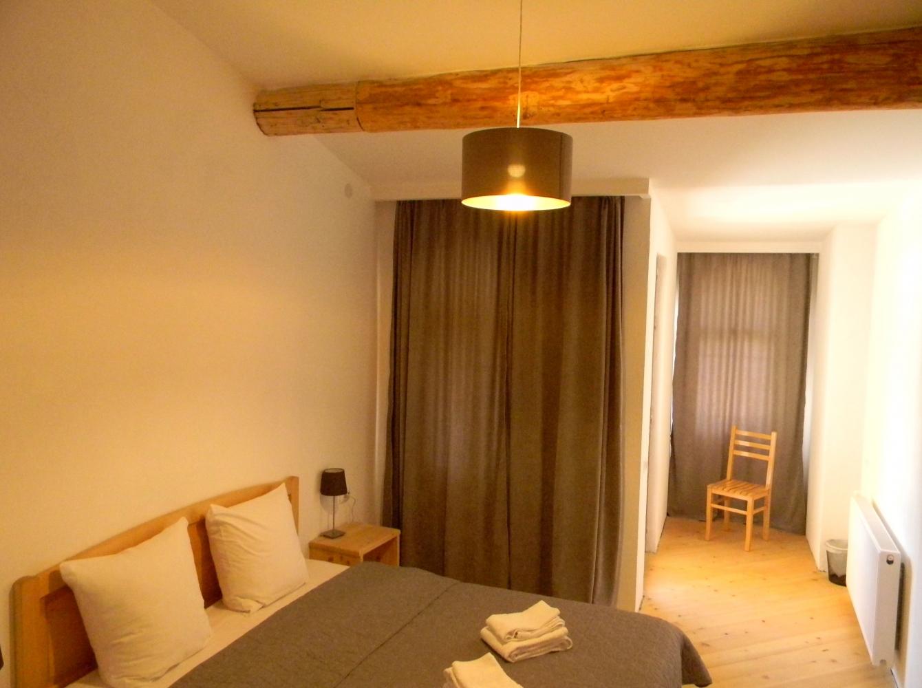 doppelbettzimmer mit balkon. Black Bedroom Furniture Sets. Home Design Ideas
